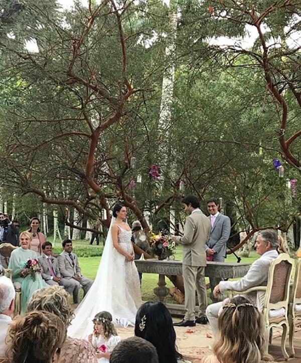 Casamento ao ar livre Lago Buriti de Isis Valderde - Renata Paraiso (13)