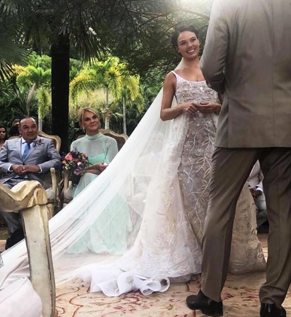 Casamento ao ar livre Lago Buriti de Isis Valderde - Renata Paraiso (9)